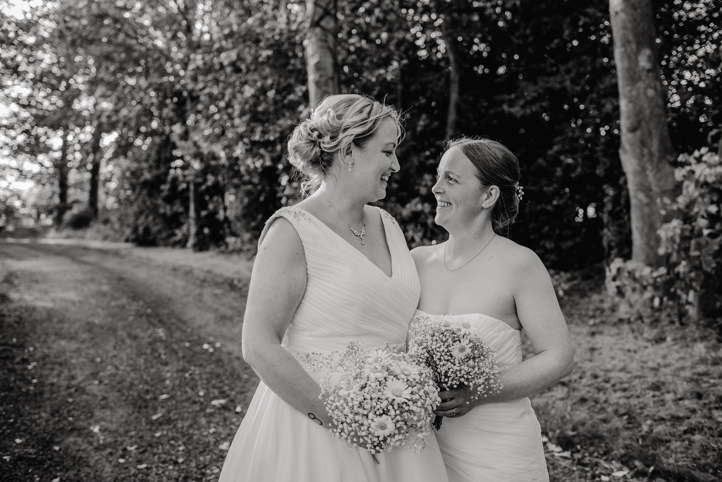 Donington-park-farm-wedding-photography-519.jpg