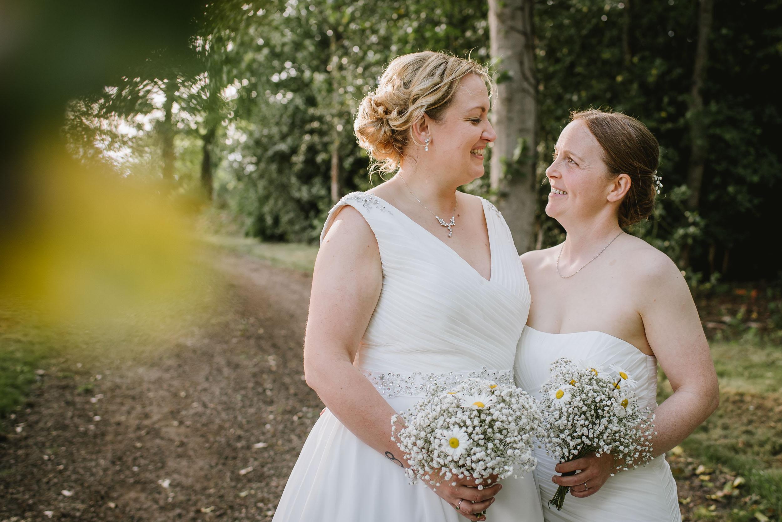 Donington-park-farm-wedding-photography-536.jpg