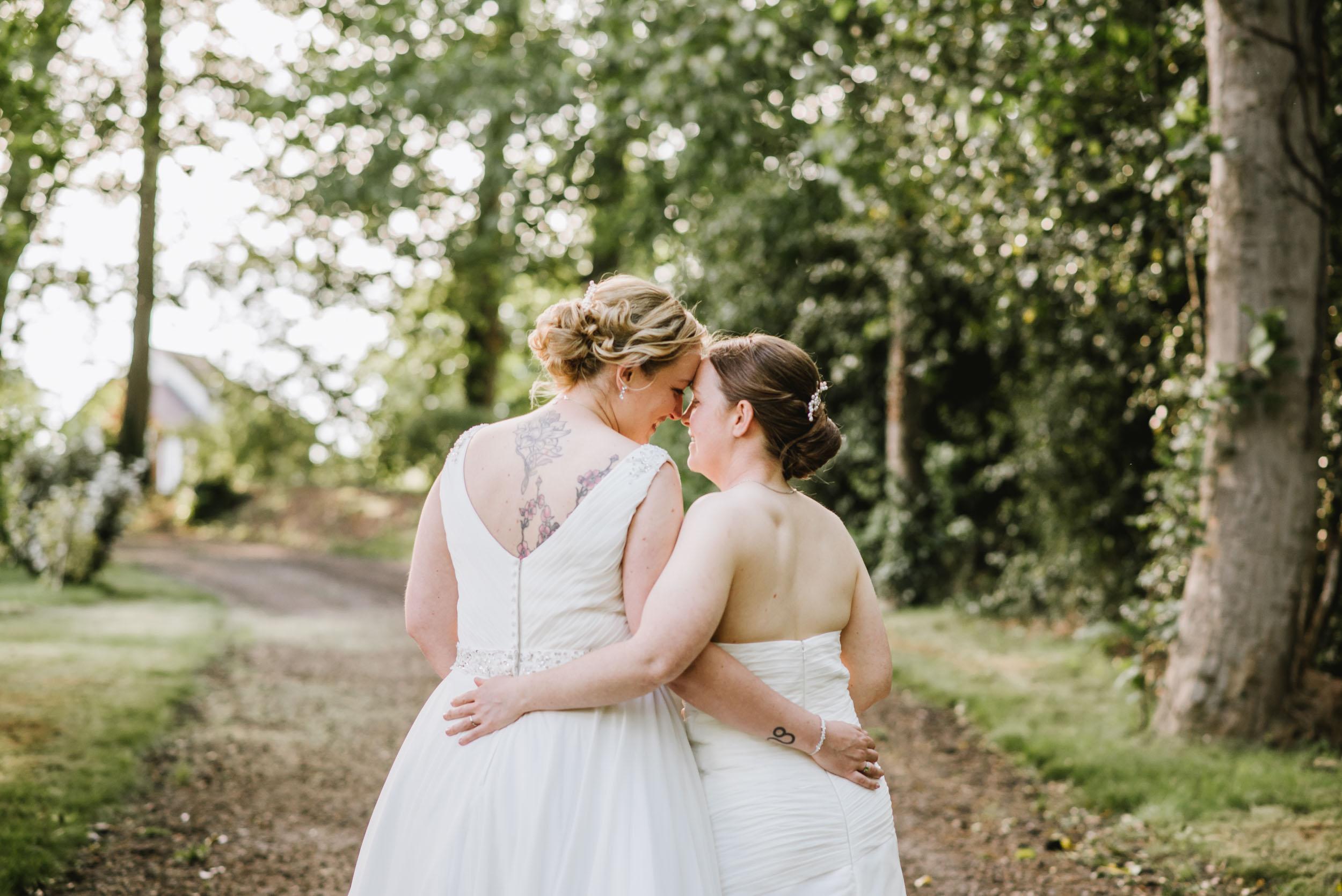 Donington-park-farm-wedding-photography-555.jpg