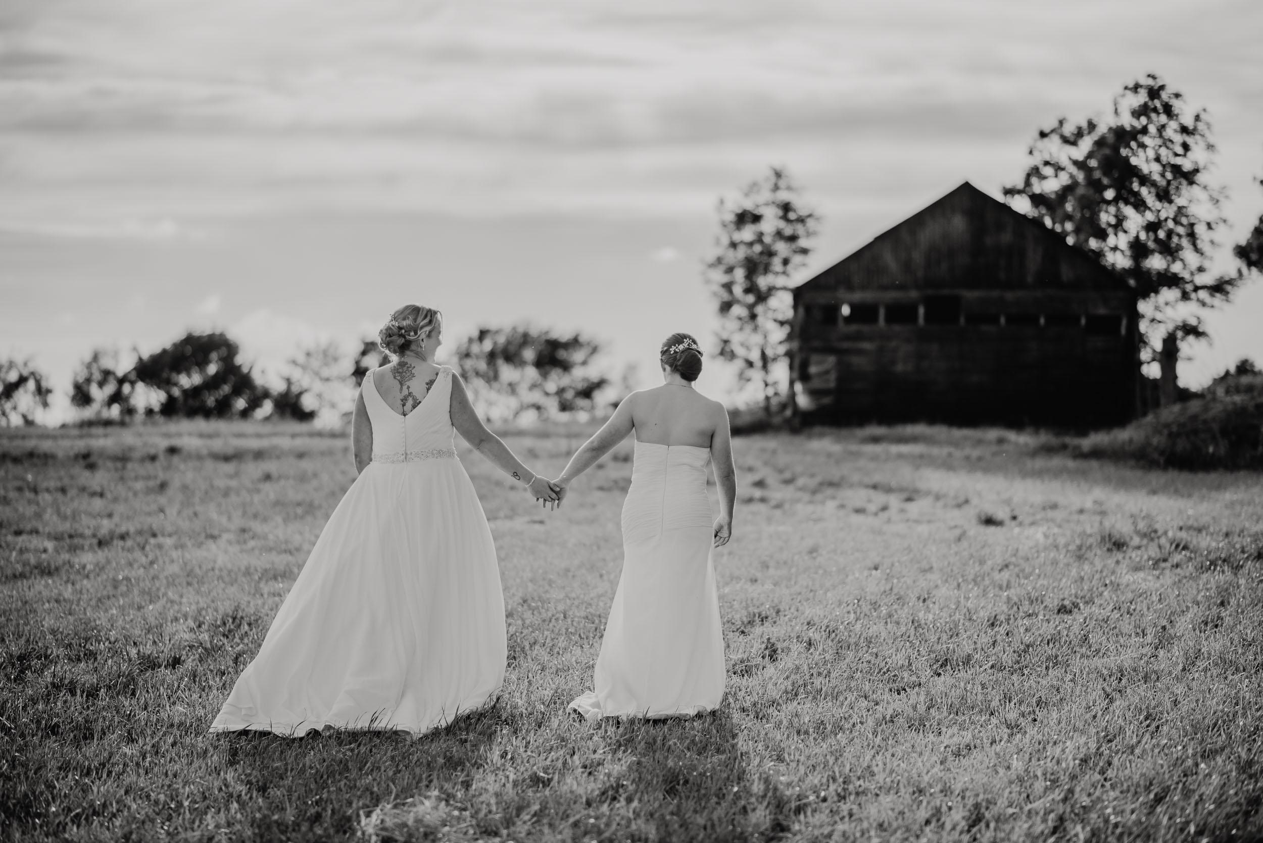 Donington-park-farm-wedding-photography-620.jpg
