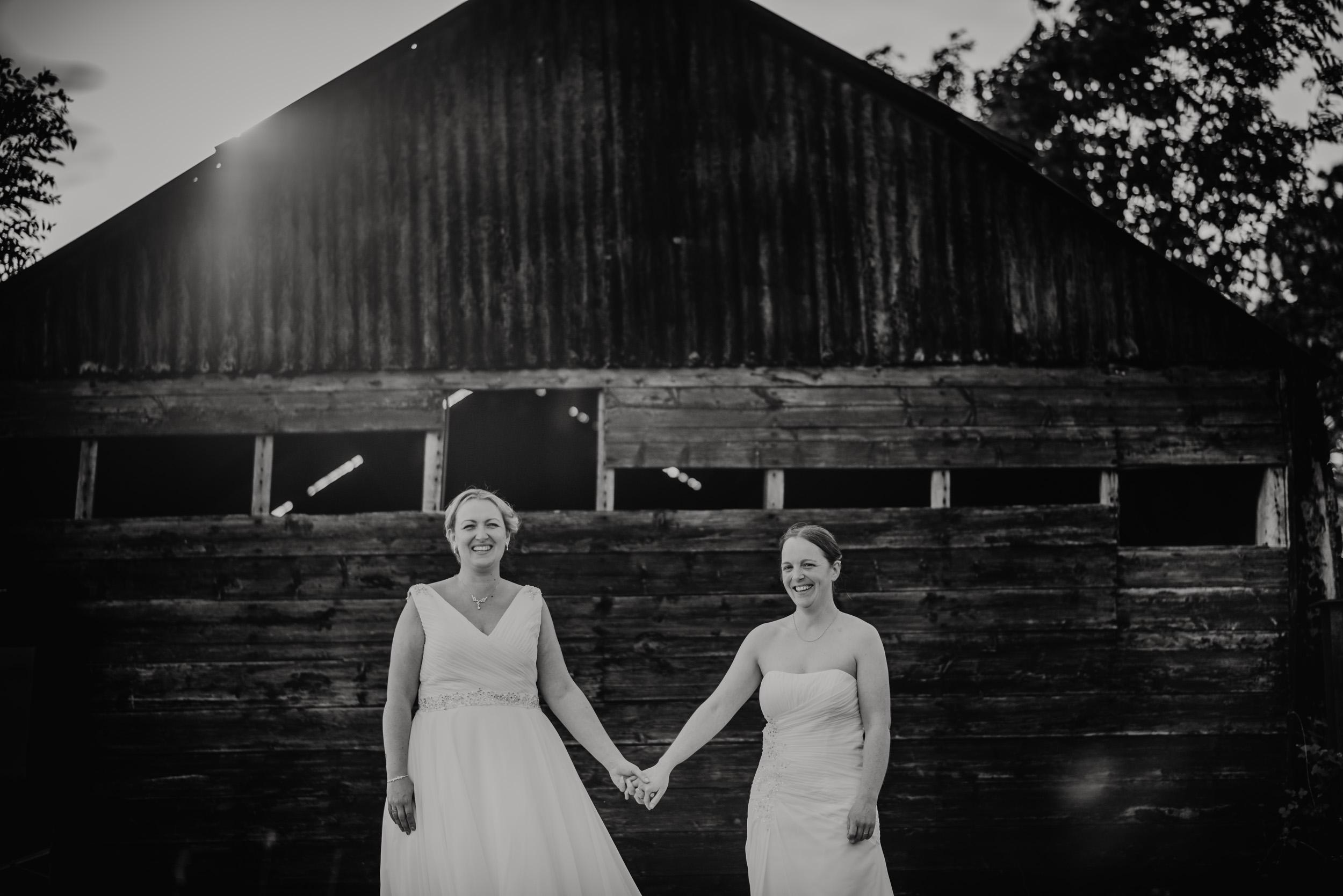 Donington-park-farm-wedding-photography-639.jpg