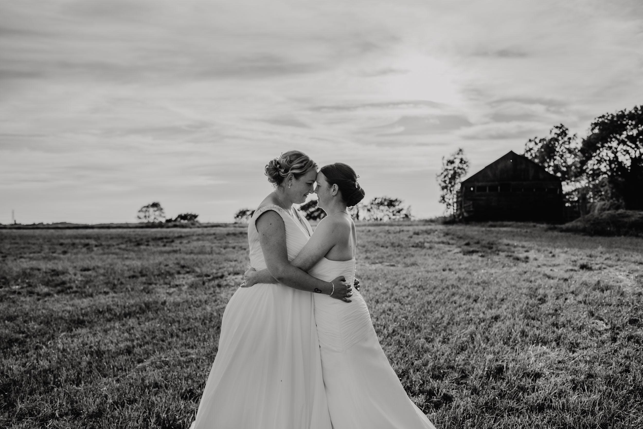 Donington-park-farm-wedding-photography-696.jpg