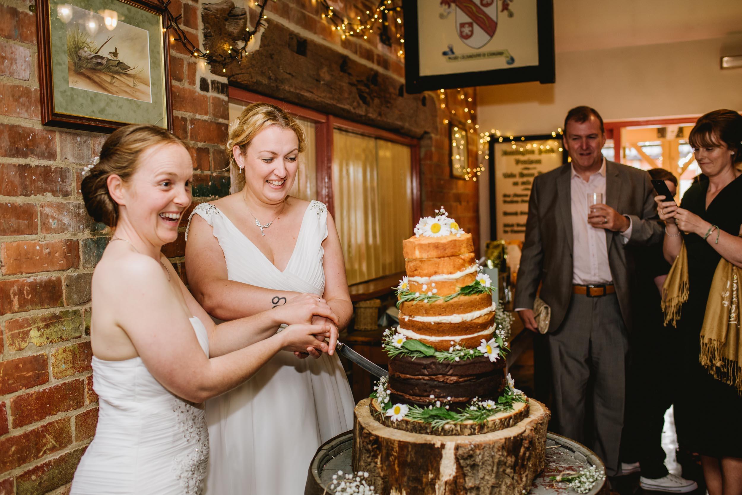 Donington-park-farm-wedding-photography-718.jpg
