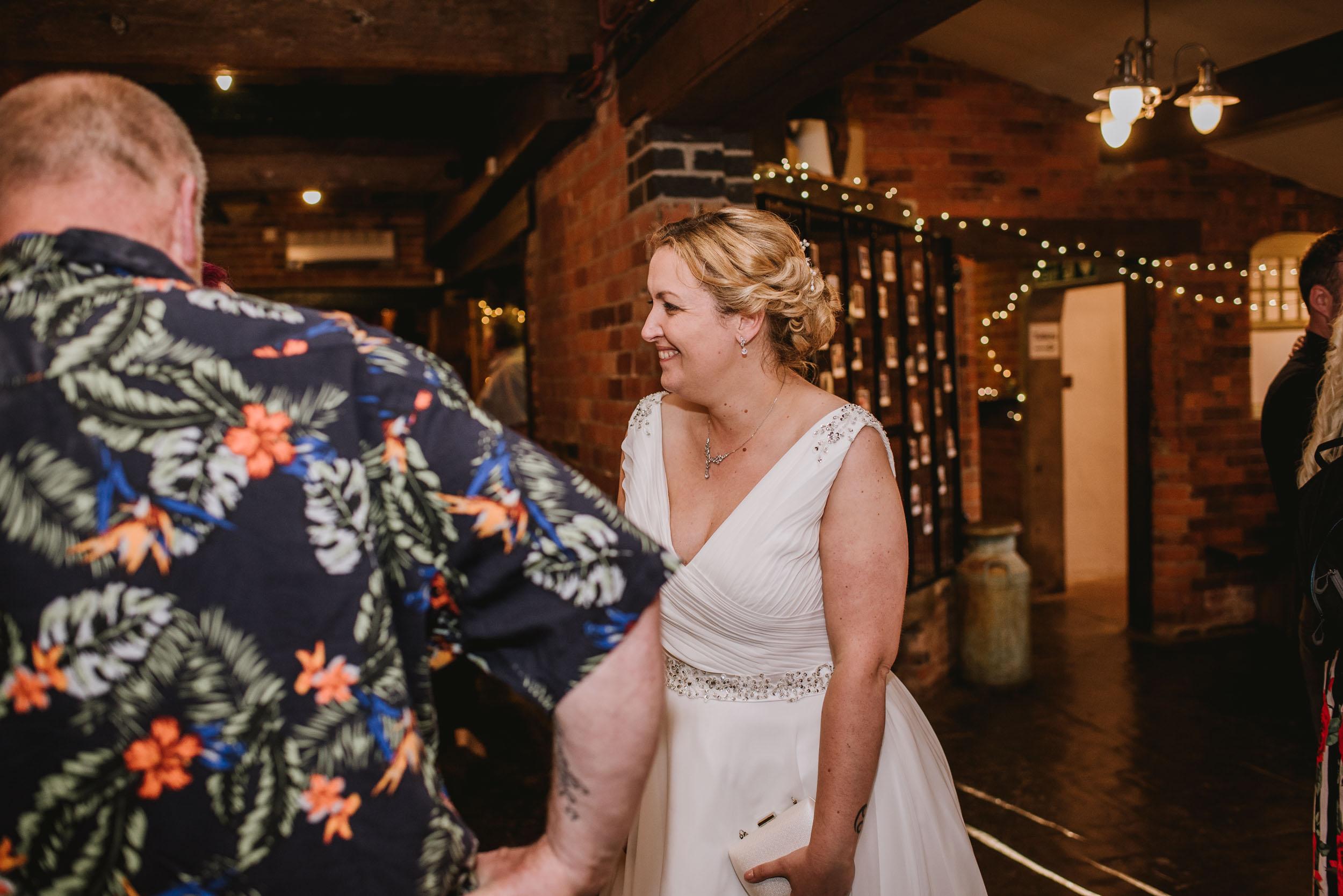 Donington-park-farm-wedding-photography-750.jpg