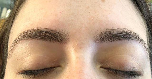Eyebrows by Geen #threading #tweezing #waxing