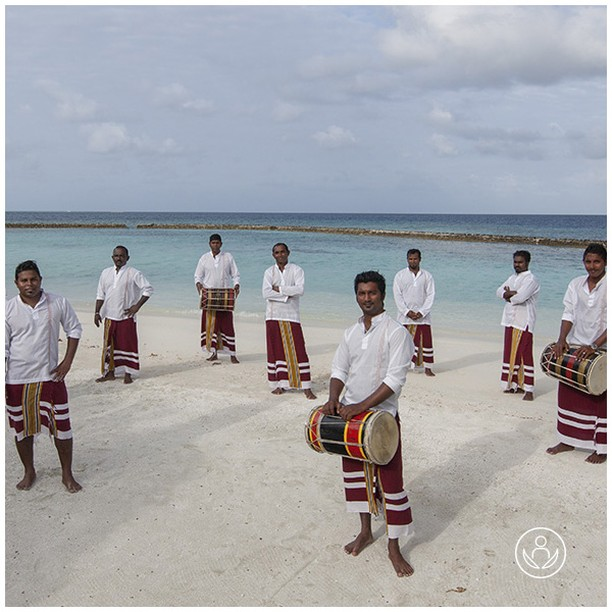 Musicians ready for the evening show in the Maldives. Original and exotic. Discover our many destinations. Link in BIO  #zenluxurytravels #traveltheworld #maldives #travel #instatravel #travelgram #tourism #passportready #travelblogger #wanderlust #ilovetravel #writetotravel #instatraveling #instavacation #instapassport #postcardsfromtheworld #traveldeeper #travelling #trip #igtravel #getaway #instago #holiday #globetrotter #changebeginshere #rejsemedsjæl #sundhedsrejser