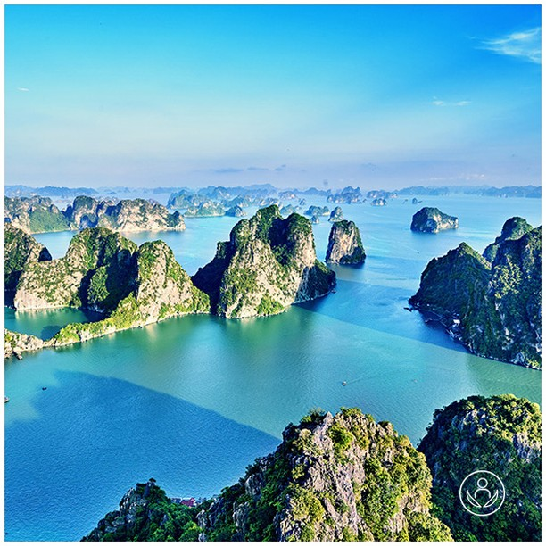 Summer holidays are around the corner. Visit Vietnam and experience first hand the many beautiful and inspirational sights this historic country has to offer. Link in BIO.  #zenluxurytravels #traveltheworld #Vietnam #travel #instatravel #travelgram #tourism #passportready #travelblogger #wanderlust #ilovetravel #writetotravel #instatraveling #instavacation #instapassport #postcardsfromtheworld #traveldeeper #travelling #trip #igtravel #getaway #instago #holiday #globetrotter #changebeginshere #rejsemedsjæl #sundhedsrejser