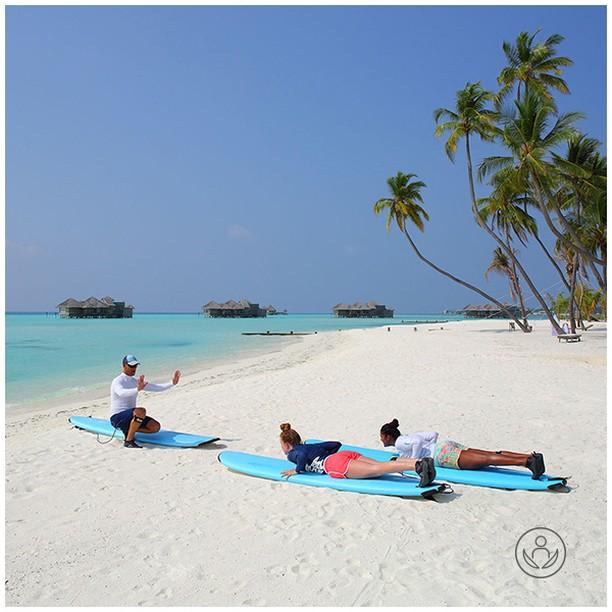 Why not learn how to surf in the most beautiful surroundings. Visit Gili Lankanfushi - a 5-star luxury haven in the Maldives. Link in BIO.  #zenluxurytravels #traveltheworld #maldives #travel #instatravel #travelgram #tourism #passportready #travelblogger #wanderlust #ilovetravel #writetotravel #instatraveling #instavacation #instapassport #postcardsfromtheworld #traveldeeper #travelling #trip #igtravel #getaway #instago #holiday #globetrotter #changebeginshere #rejsemedsjæl #sundhedsrejser