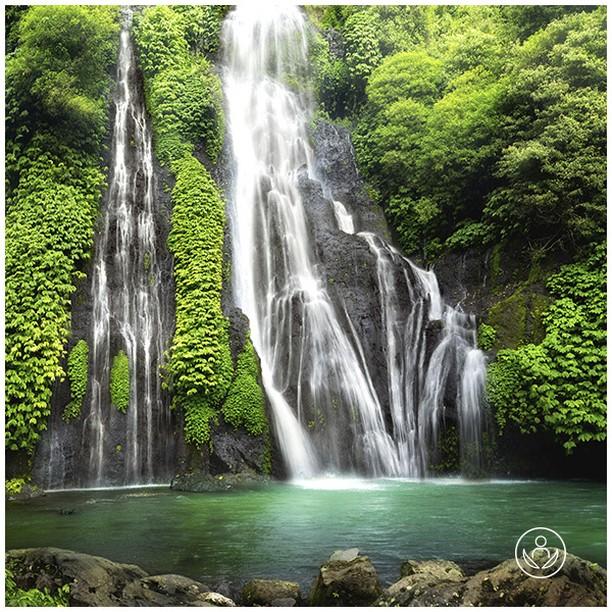 Bali - magical sceneries and undescribable beauty. An Asian gem to explore. Let us arrange your trip round this extraordinary island. Link in BIO.  #zenluxurytravels #traveltheworld #Bali #travel #instatravel #travelgram #tourism #passportready #travelblogger #wanderlust #ilovetravel #writetotravel #instatraveling #instavacation #instapassport #postcardsfromtheworld #traveldeeper #travelling #trip #igtravel #getaway #instago #holiday #globetrotter #changebeginshere #rejsemedsjæl #sundhedsrejser