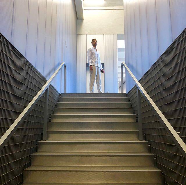 Quick visit to @fondazioneprada observing #minimalist #modernist and almost #brutalist interiors 🤭