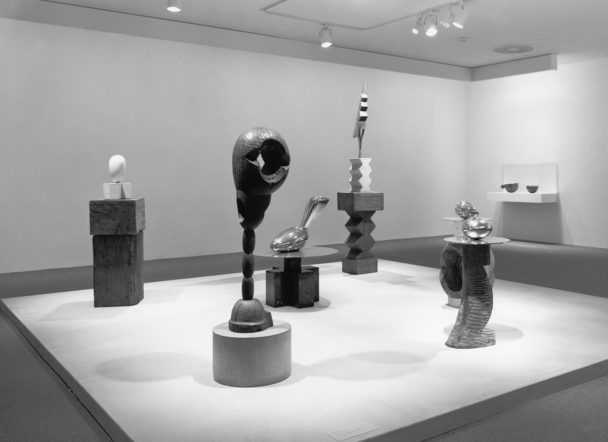 Brancusi AR @ MoMA - Can we expand the life of artworks through deeper engagement and contextual understanding?