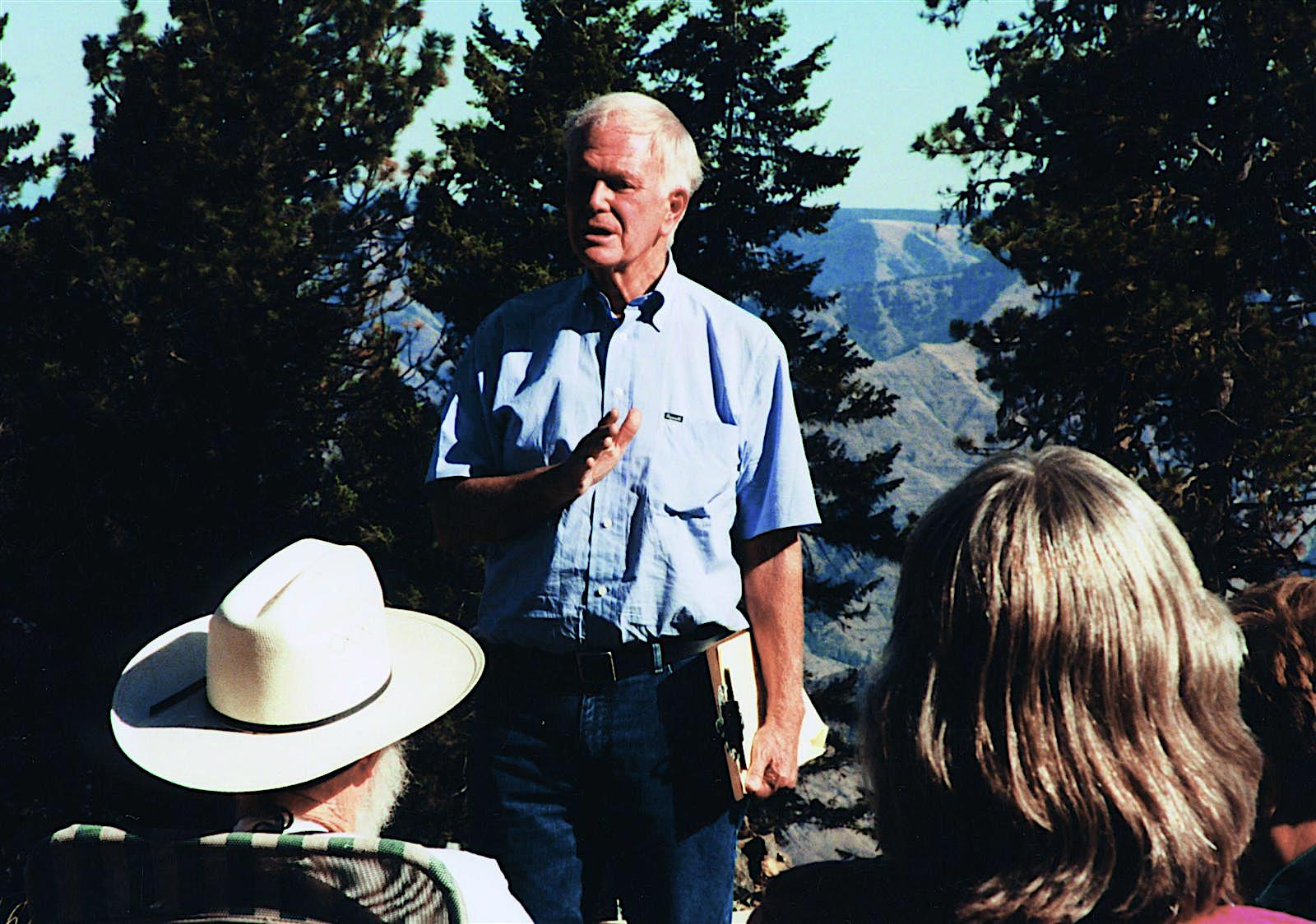 Senator Bob Packwood (R-OR) at Hat Point, overlooking Hells Canyon, 1986.  Photo: Elizabeth Feryl, Environmental Images