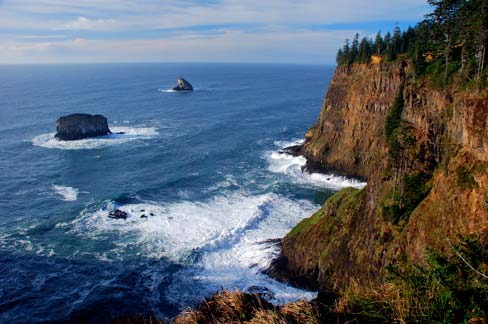 Protections of the Cape Meares National Wildlife Refuge and Cape Meares State Park, in Oregon's Tillamook County, are not enough to stop an oil spill.  Source: Gary Halvorson, Oregon State Archives