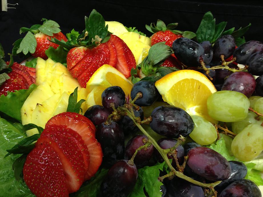 Fresh Seasonal Fruit Tray