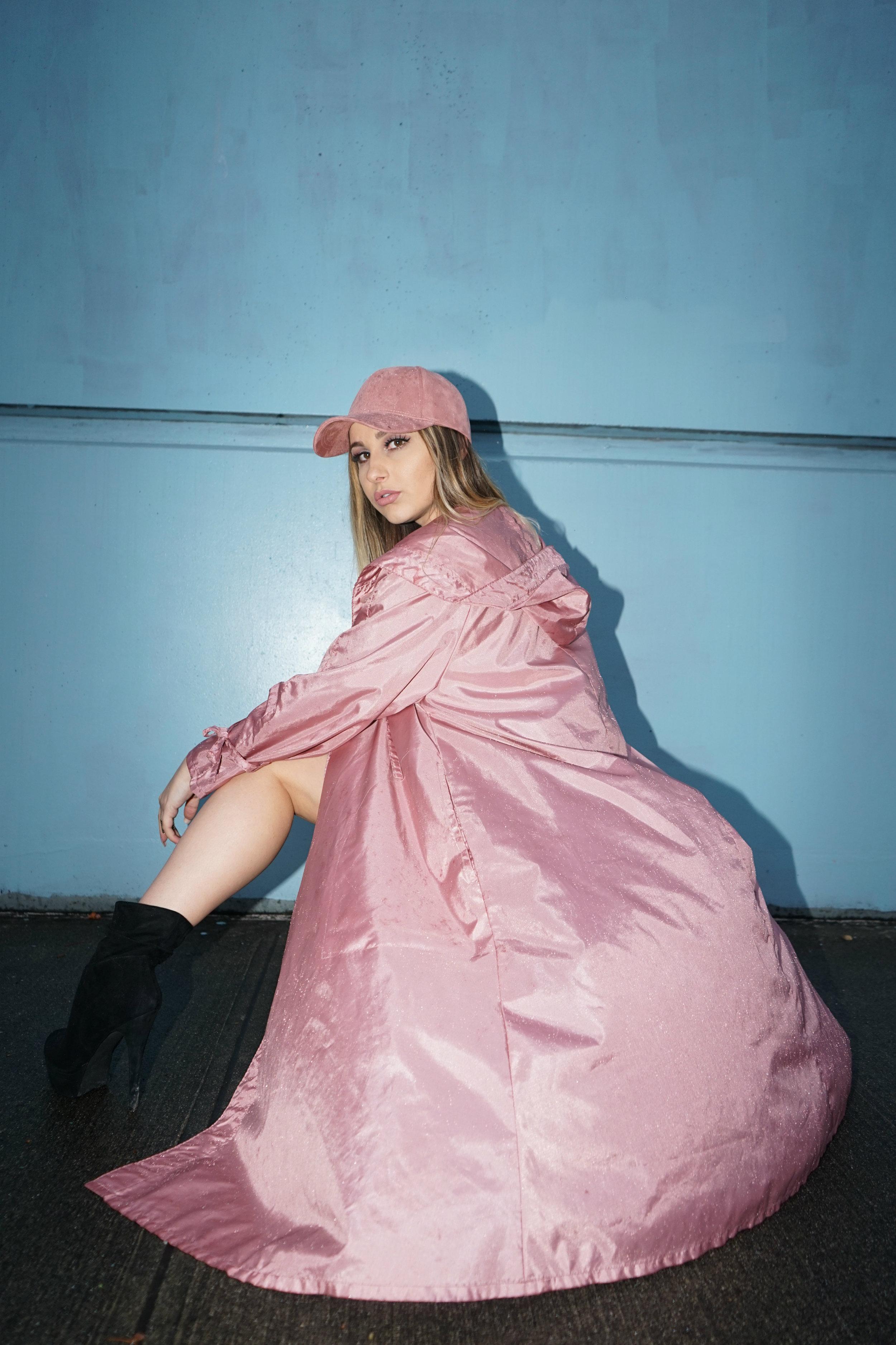 pink_raincoat_tee.jpg