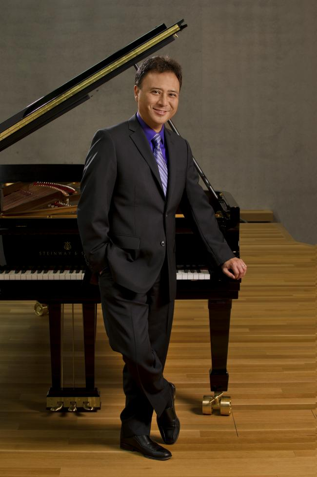 Bradley Welch, organ