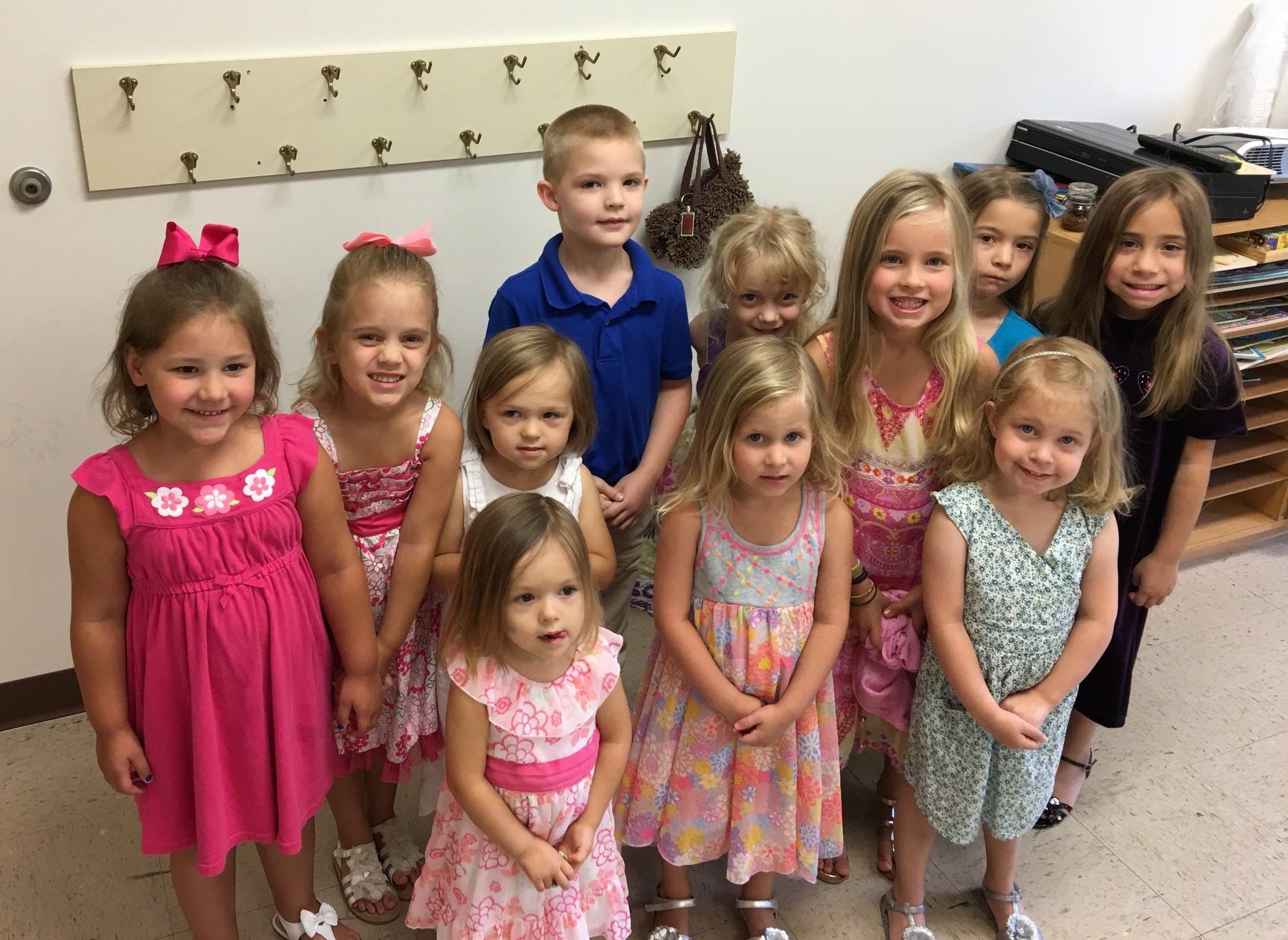 Kinder church, So many girls!
