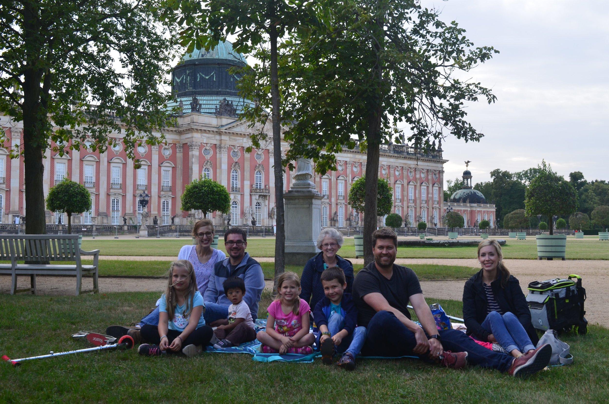 palace picnic group.JPG