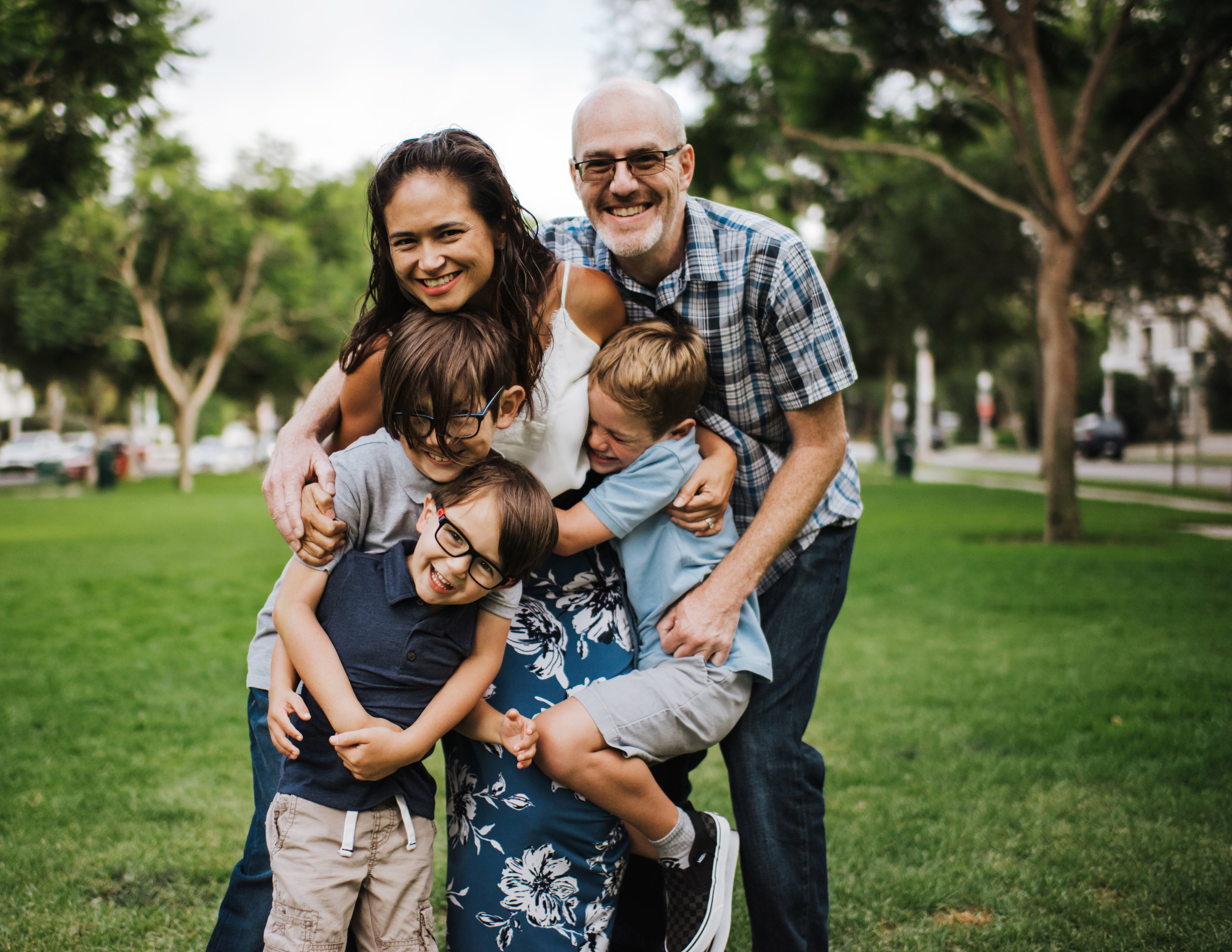 Family Session - 40 minutes, 20 photo gallery, All photographs in gallery as a digital download— $400