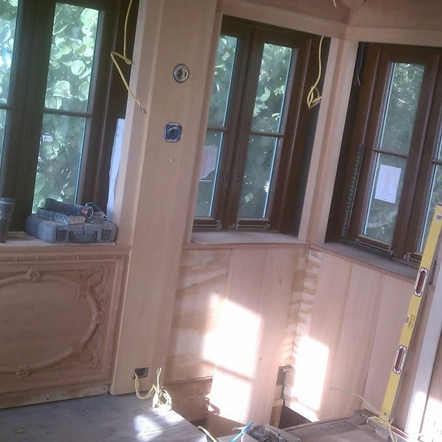 Throwback thursday! This was from a job I did back in 2011 in Naples FL. I cut and installed 25 beams, T&G on the ceiling, hand carved panels on the wall and trimmed out the windows in a room 10' X 10'. And since there was no room to work I built tool box for the job. #woodtoolbox #customtoolbox #woodbeams #handcarved #tongueandgrooveceiling #tongueandgroove #mahoganywood #woodpaneling #craftmanship