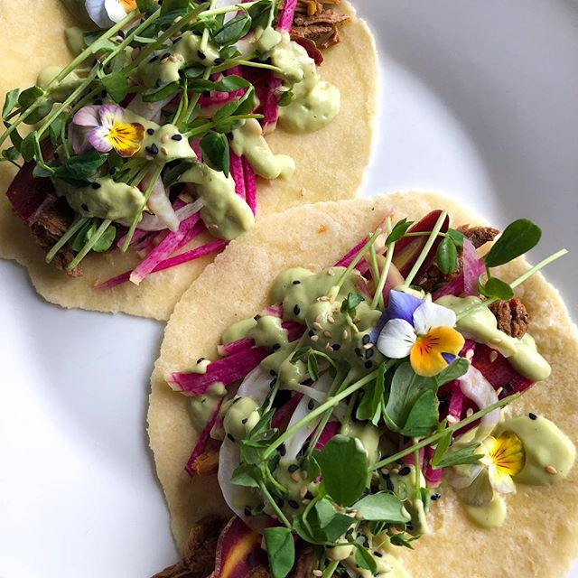 Still on that taco kick 🌮 these bad boys were a mish-mash of all the left overs in the fridge - grass fed shredded beef from the quarter cow we purchased from @windsorqualitymeats, pea shoots, radishes, purple carrots, avocado creme and @sietefoods tortillas. First meal of the day, partly because I'm not feeling 💯 but also because I like to intermittent fast to give my digestive system and blood sugar a break. On these days I'll drink mostly water with chlorophyll and lemon or ACV or occasionally I will have a bulletproof matcha or decaf coffee to keep me until my first meal. If it doesn't feel right, I don't suggest forcing yourself to do it! There are just some days that I don't have the craving to eat right away and so I go with it until my body tells me it's ready for some fuel. Looking forward to some sunshine later this week, until then I'm keeping busy with a few sewing projects, house chores and me time! 💛 . . . . . . . . . . . #taco #siete #paleo #whole30 #whole30approved #edibleflowers #grassfedbeef #yvrfood #yvrfoodies #foodblogger #nutrition #jerf #justeatrealfood #intermittentfasting