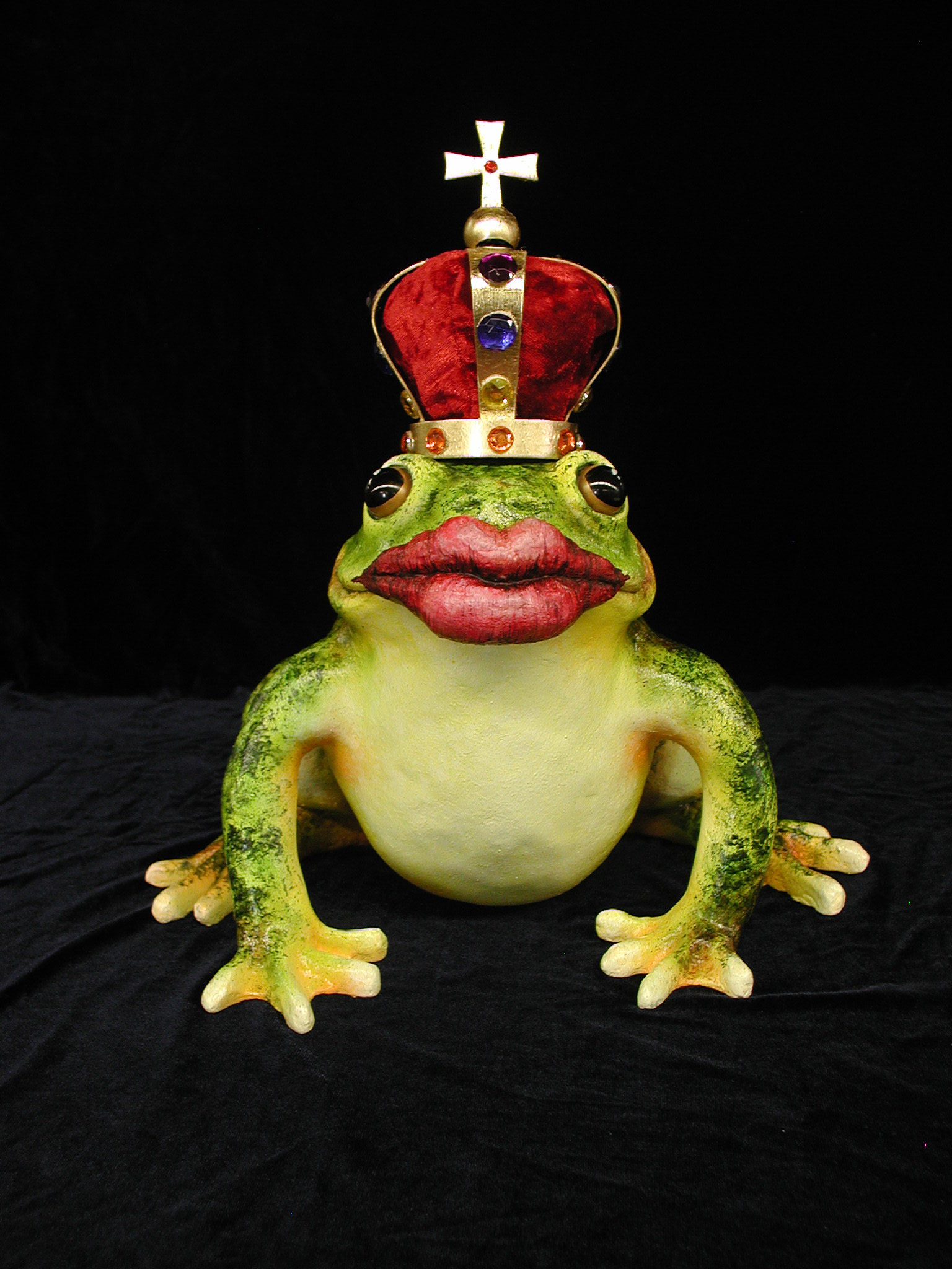 frog lips crown.jpg