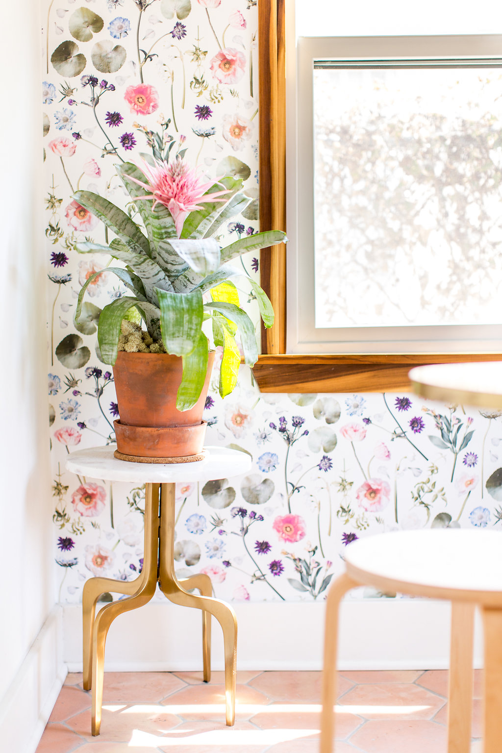 Floral Finds Traditional Wallpaper Prepasted Samantha Santana