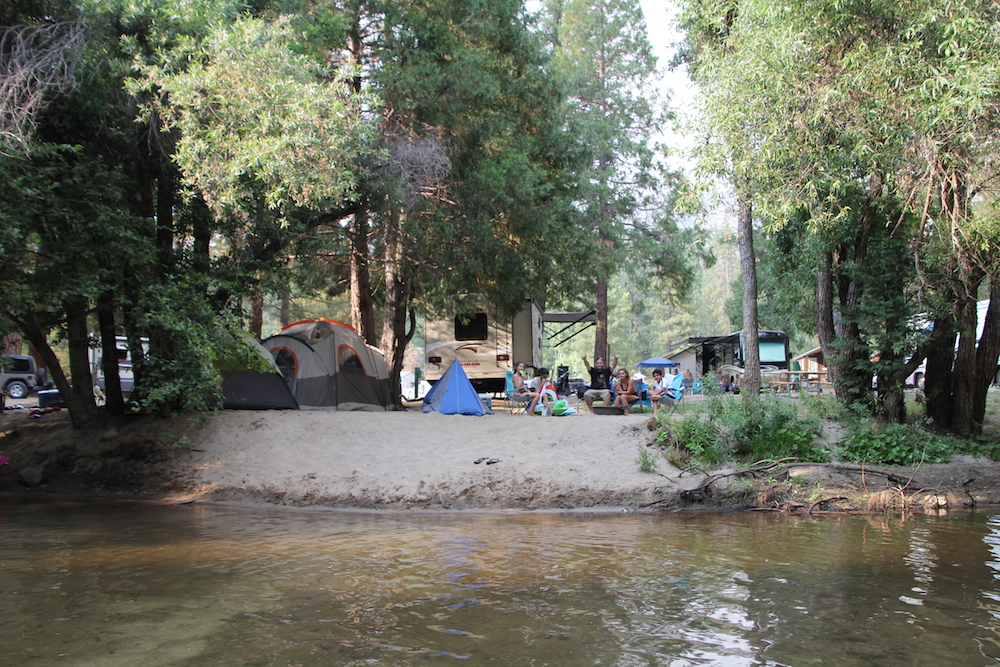 Campground - familia copy.JPG