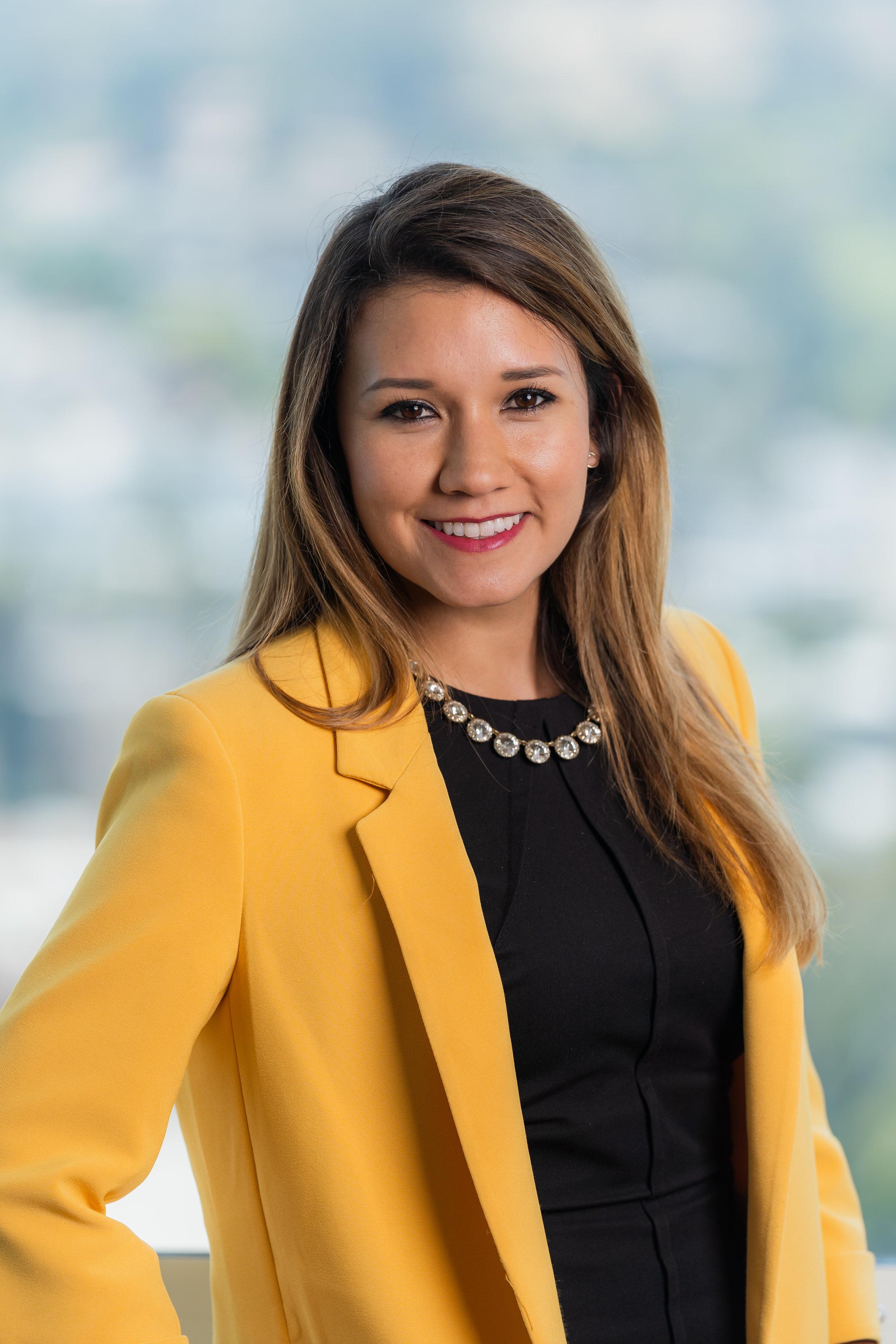 Alejandra Ruales Headshot.jpg