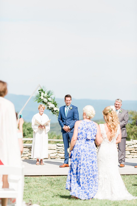 overlookbarnwedding-38.jpg
