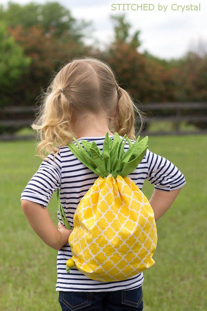 Pineapple backpack tutorial from http://www.makeit-loveit.com/