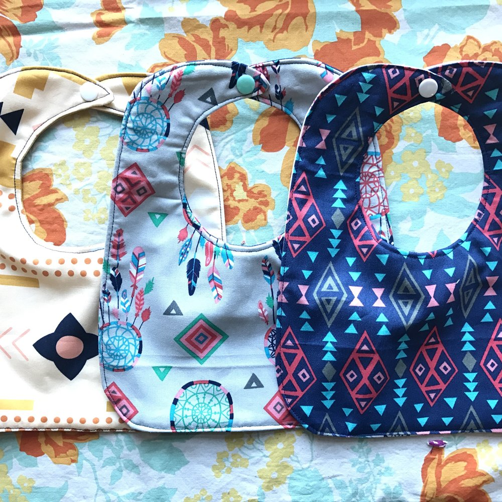 How to Sew a Baby Bib - A beginner friendly video tutorial and free pattern.