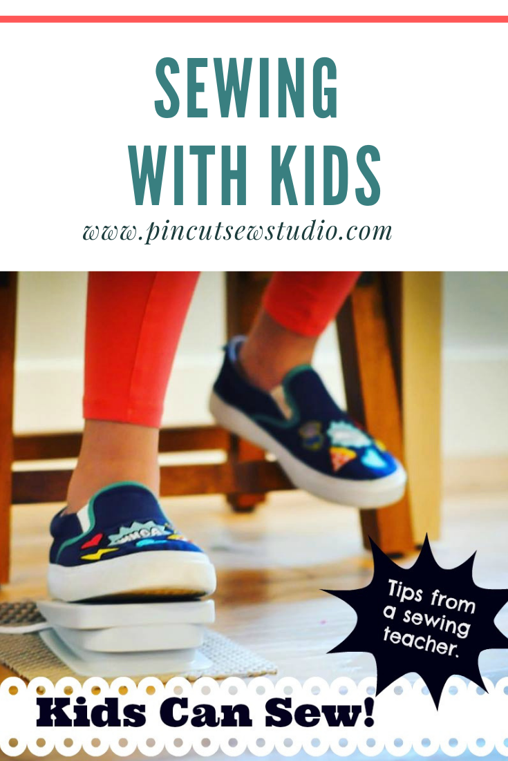 Kids can learn to sew! And YOU can teach them! Come read my best tips for teaching kids to sew, plus the ten best sewing books for kids and teens || Pin Cut Sew Studio #sewing #kidssewing #howtosew #sewingwithkids