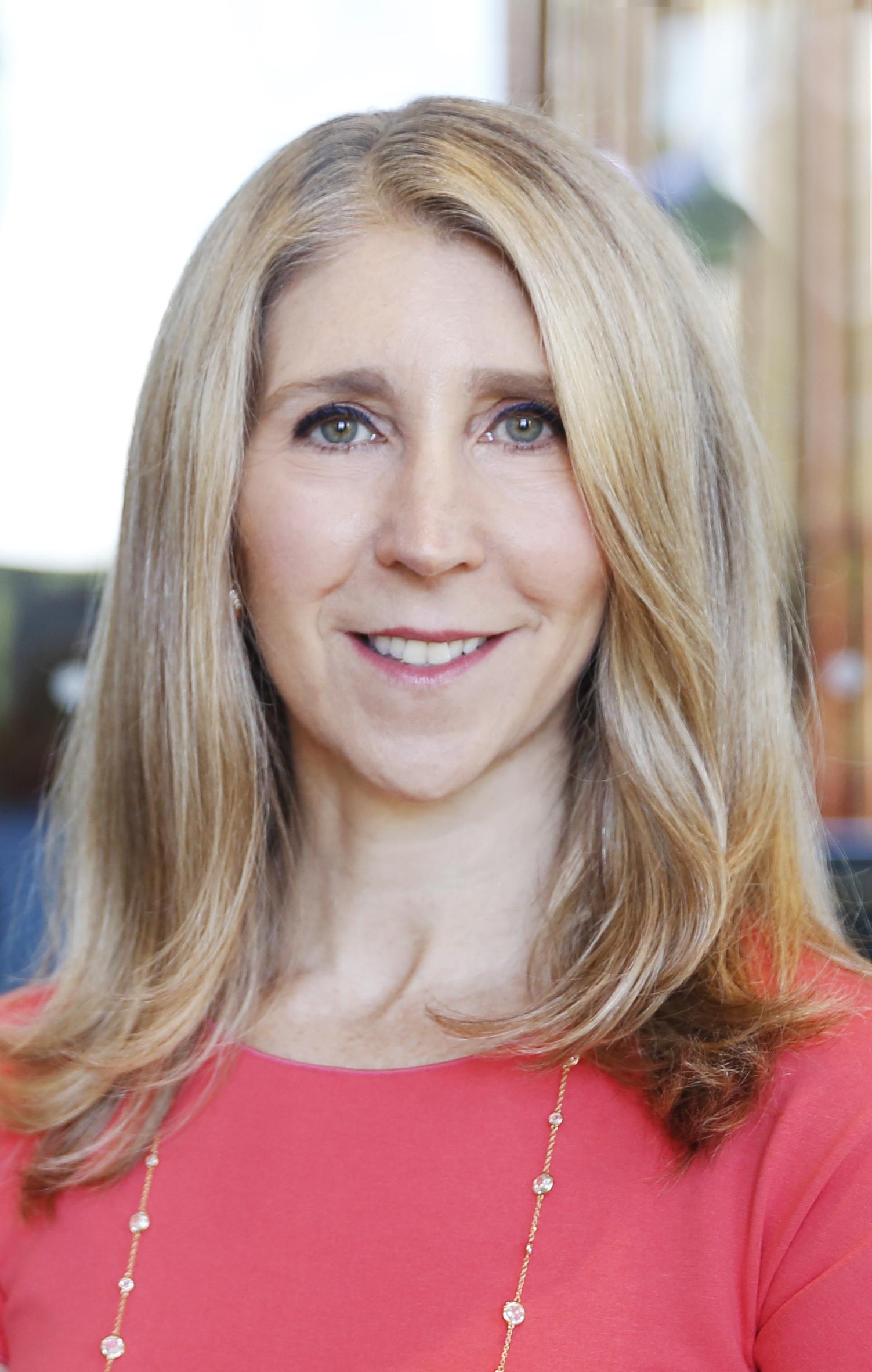 Lauren K. Headshot