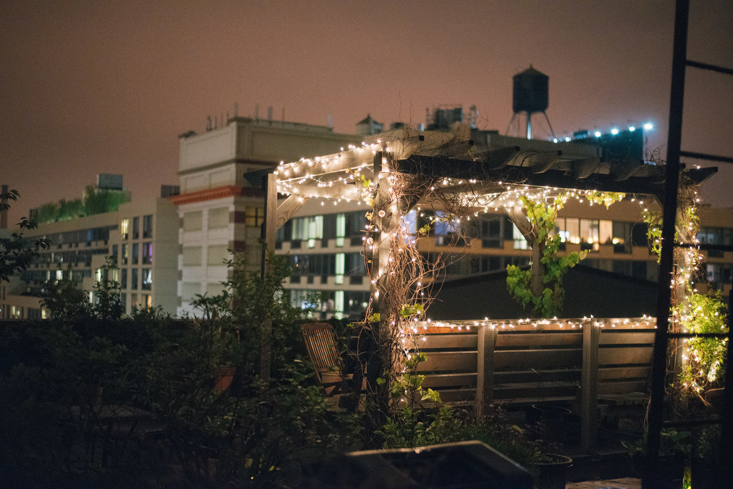 new-york-brooklyn-rooftop-night-travel