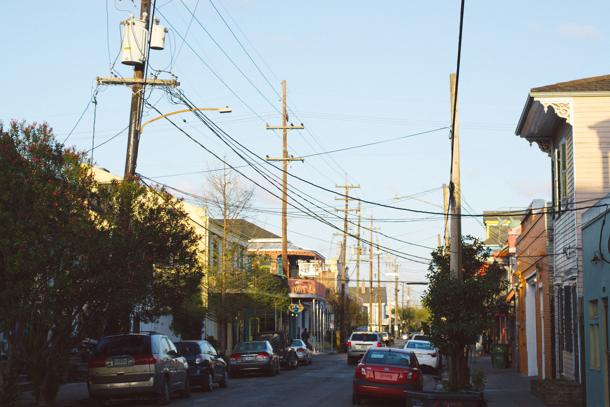 new-orleans-street-travel-day