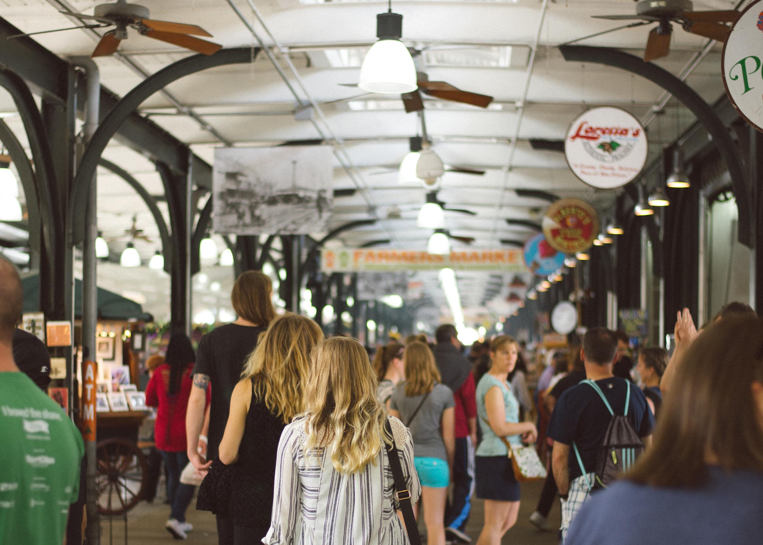 new-orleans-french-market-art-travel