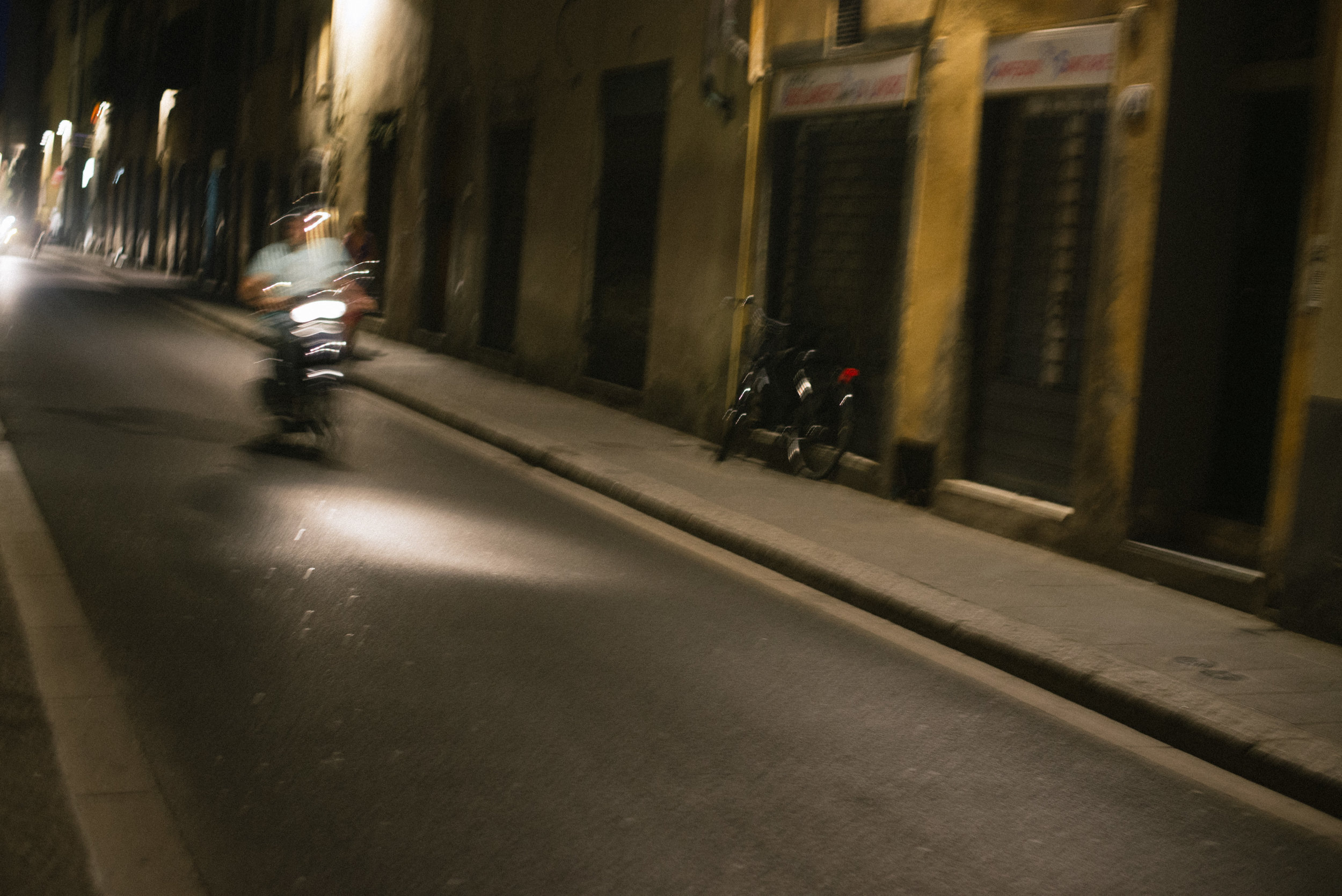 florence-Italy-moped-