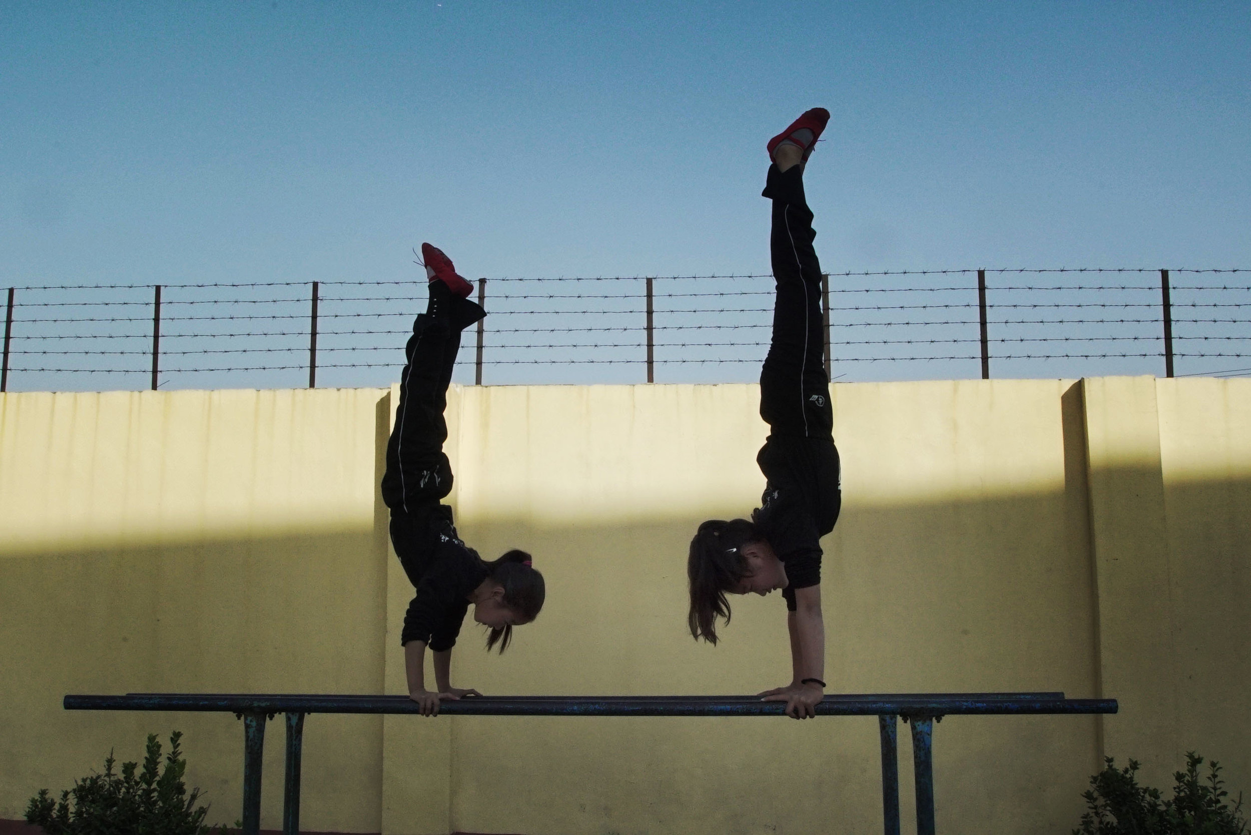 acrobats 14.jpg