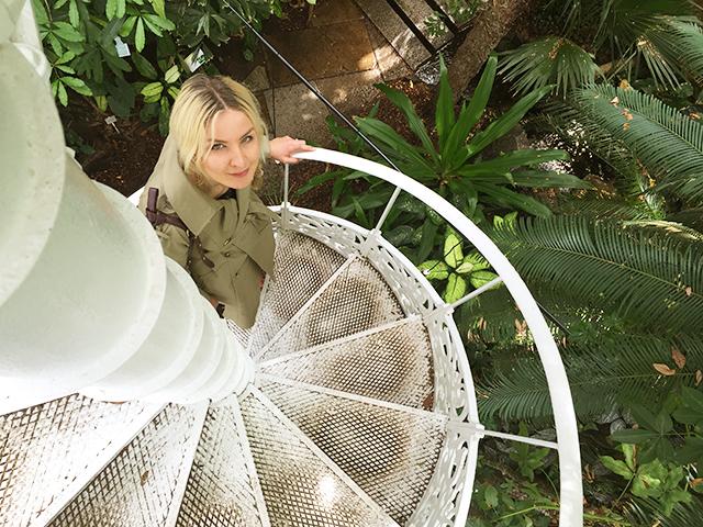 Liv Lundelius Natural Beauty Expert Green Makeup Artist Sydney
