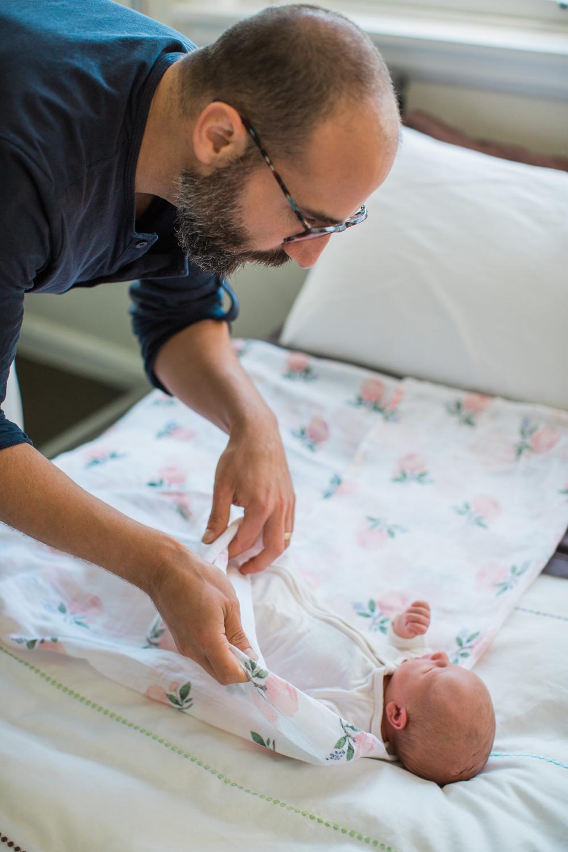 newborn-Faye-Liv-Dave-02.jpg