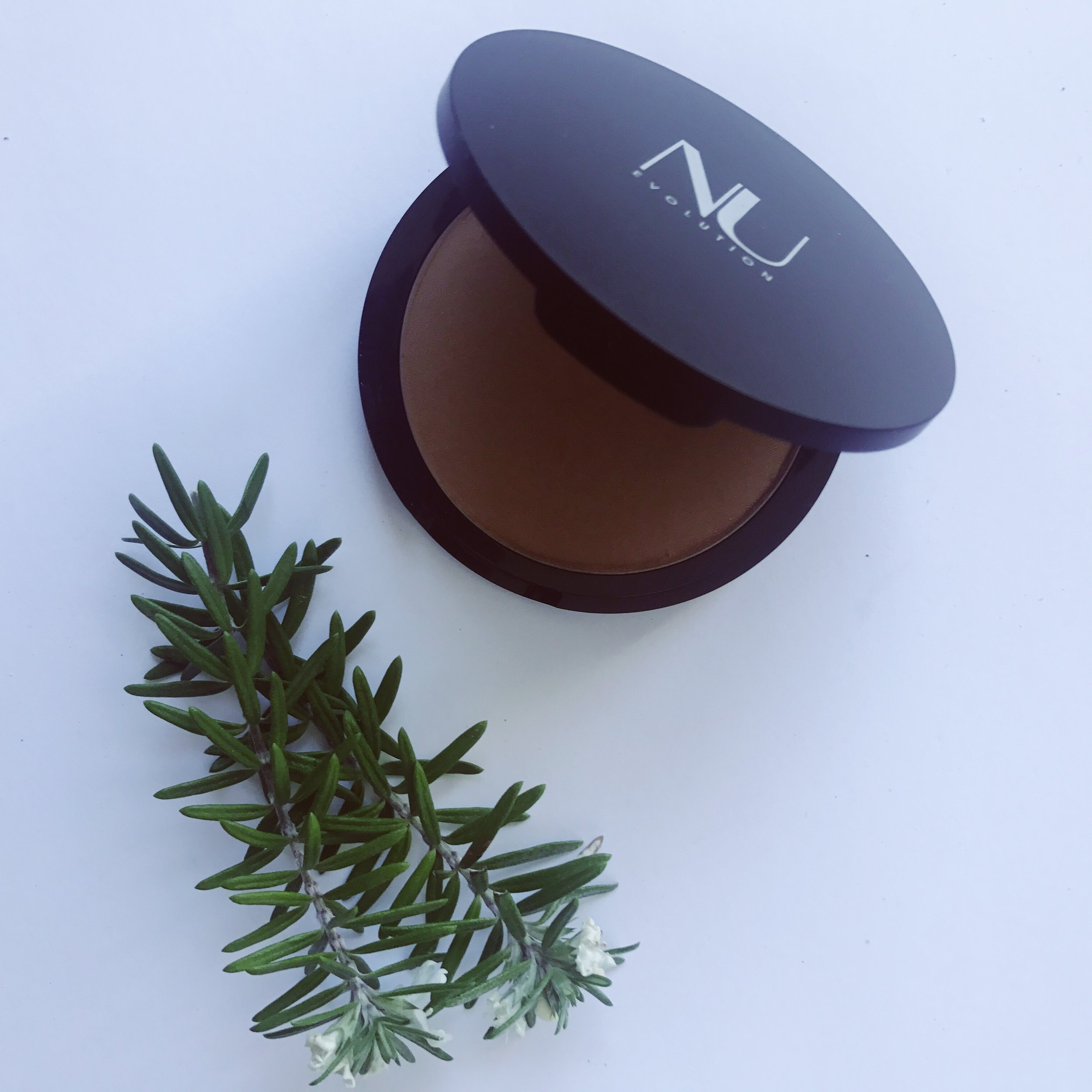 Nu Evolution Cosmetics Bronzer Review