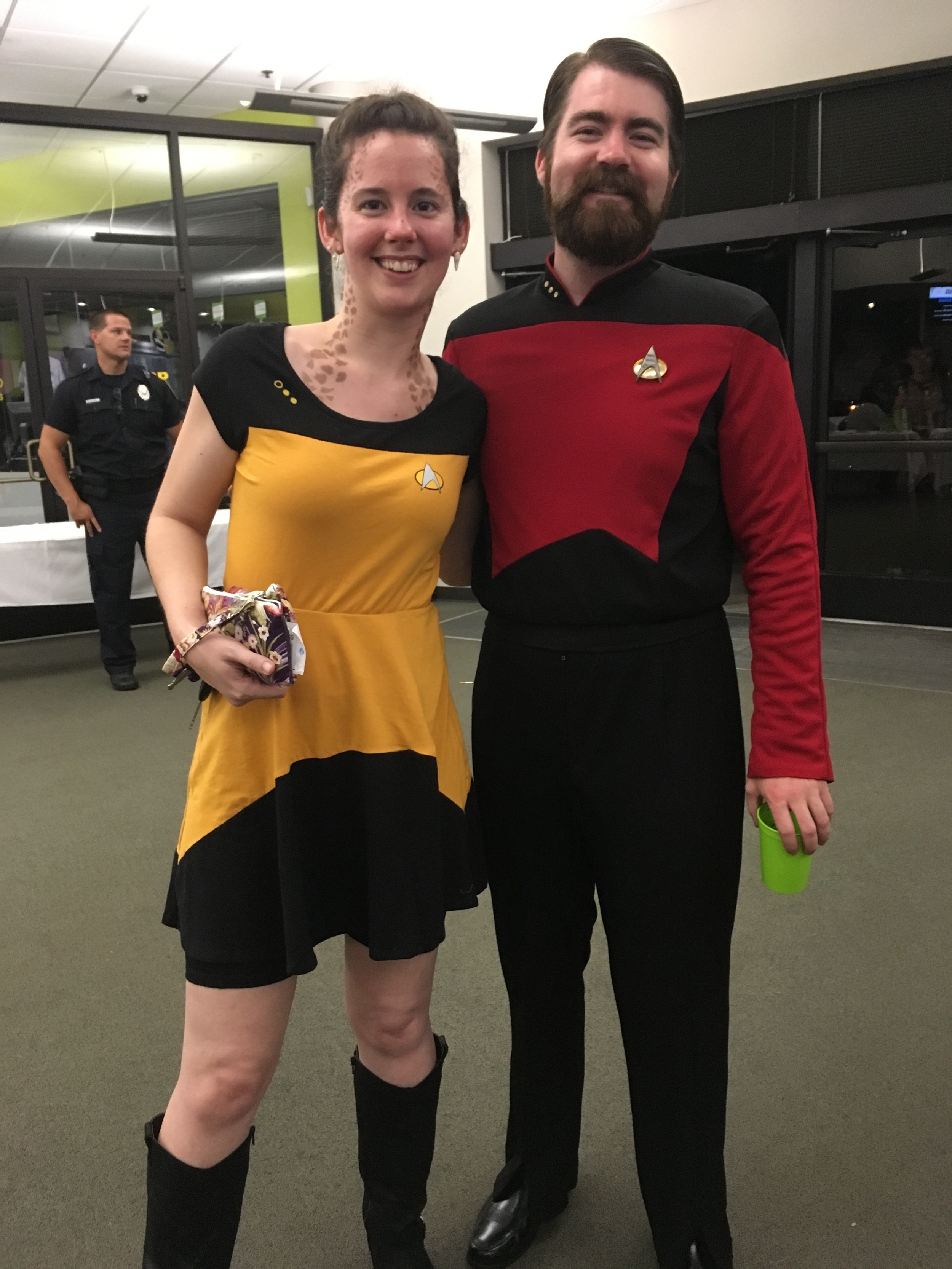 No big deal, just hanging out with Riker. :-D Of course I had to get a picture with him. That's what you  do  at these sort of events.