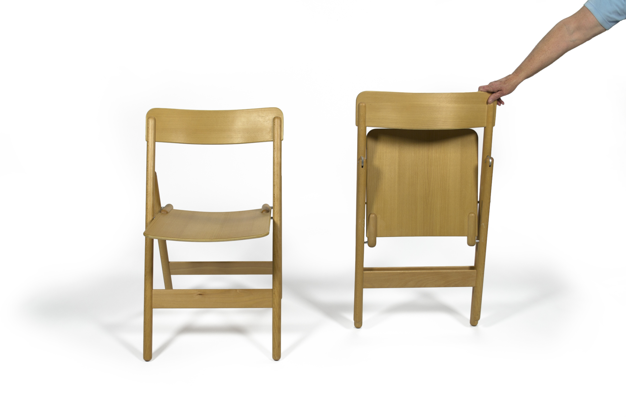 foldingchairs_onefolded_forward.jpg