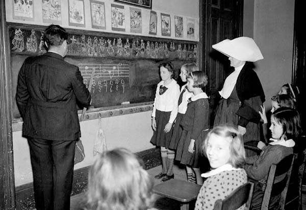 Music lesson 1940 musiconclub.com