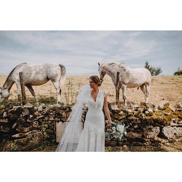 Rinconcitos Con encanto de la campiña Francesa🇫🇷 #bodasconestilo #organizaciondeeventos #weddingplanner #luxuryweddingplanner #fotografodebodas #fotografosdeboda #mypwedding #wedding #luxurywedding #sunshine #shotkit #weddingphotography #weddingplannerspain #bodafeurope  @shotkit @bodafeurope