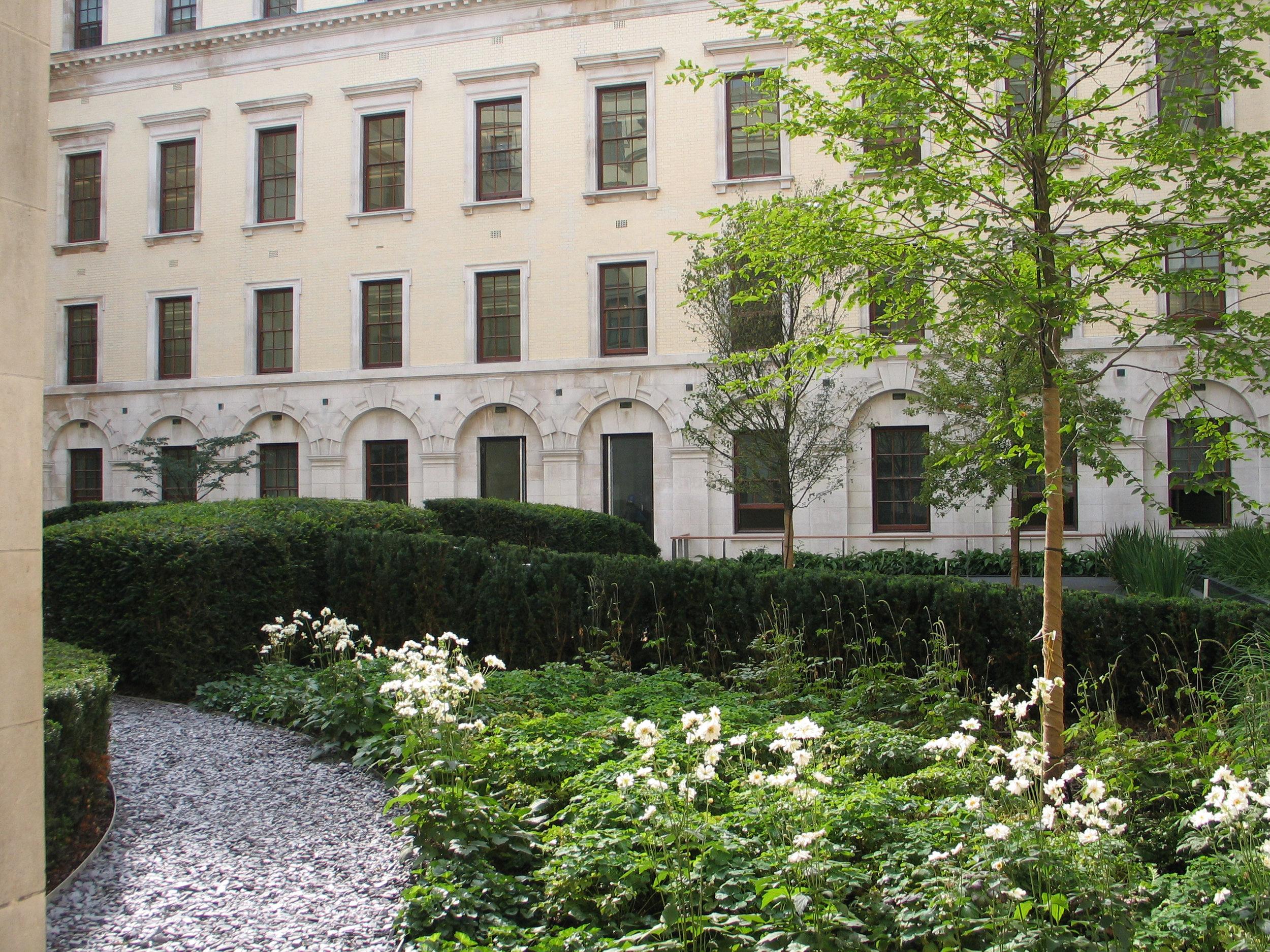 125TEC_Treasury_East_Courtyard_N64.jpg