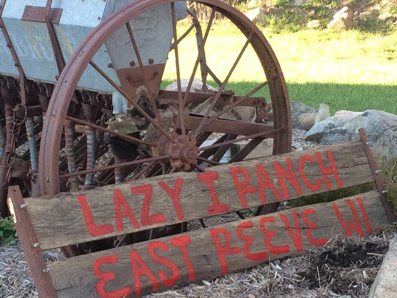 lazy i ranch sign.jpg
