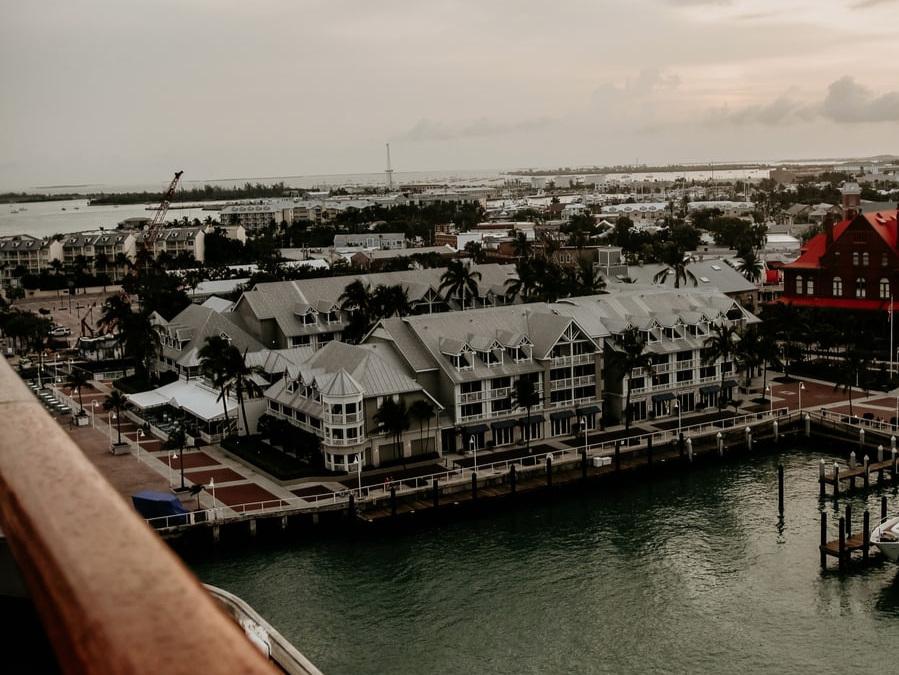 FLORIDA KEYS:  KEY WEST, KEY LARGO, AND EVERYTHING IN-BETWEEN