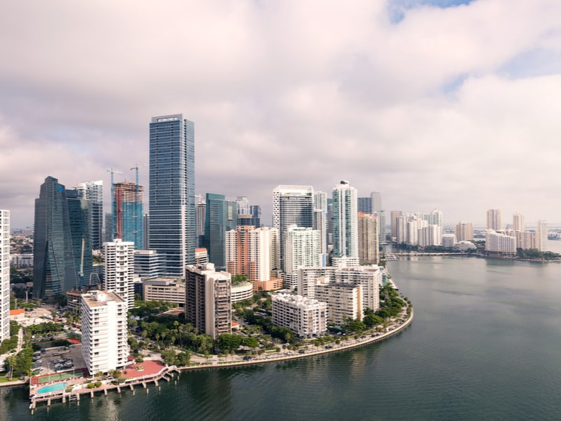 SOUTHEAST FLORIDA : MIAMI, FT. LAUDERDALE, PALM BEACH, AND SURROUNDING AREAS